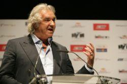 Flavio Briatore, seful Renault spune ca decizia FIA de a introduce un buget voluntar din 2011 a venit ca un soc pentru el, avand in vedere eforturile facute deja de FOTA ( Asociatia Echipelor de Formula 1) pentru a reduce costurile. FOTA considera ca propunerile federatiei vor injumatati costurile echipelor de Formula 1 pana in 2010, , dar FIA a simtit ca trebuie luate masuri mai drastice. Briatore a exprimat astfel ...