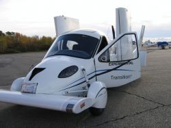 Terrafugia , companie cu sediul in Massachusetts, Statele Unite, a inregistrat zilele acestea un mare succes, cand prototipul Transition , un automobil-avion , a efectuat primul zbor. Terrafugia Transition , pe numele sau intreg, este la baza un avion , care in circa 30 de secun...